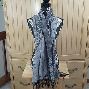 3/$15💥Coach labeled scarf